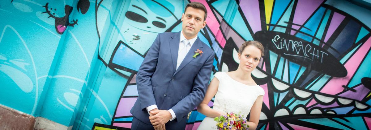 Hochzeitfotos in Frankfurt, Heddernheim und am Chinesischen Garten, am Haus mit City Ghosts