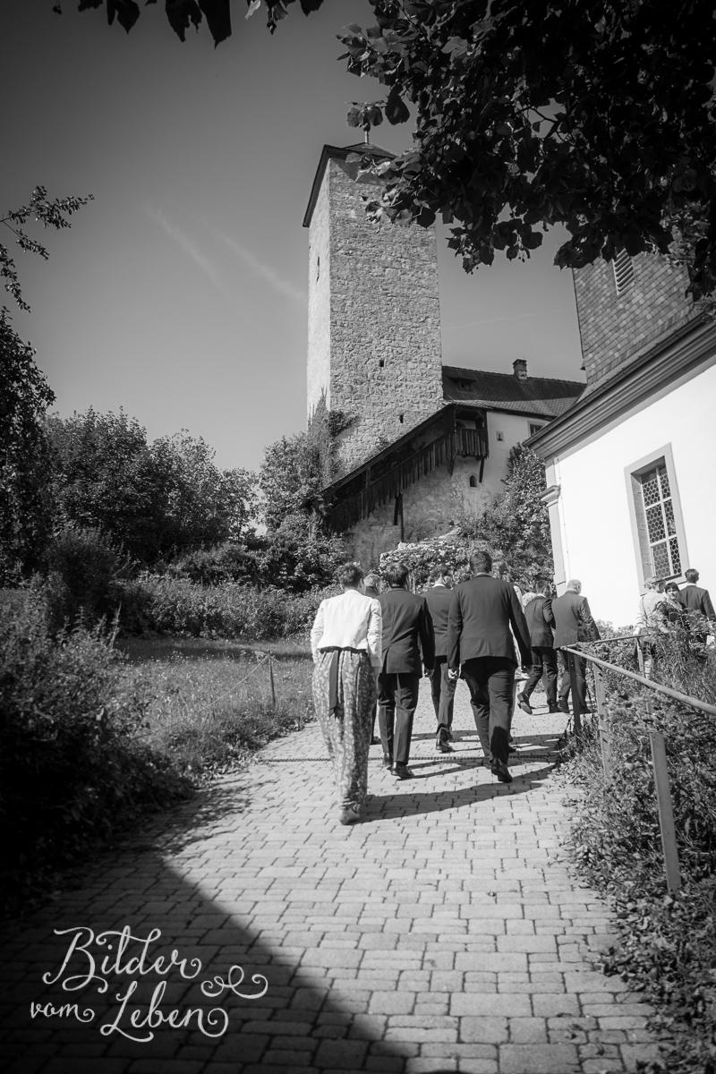 hochzeitsfotos-fraenkische-schweiz-aufsess-hundsboden-02-P9125908