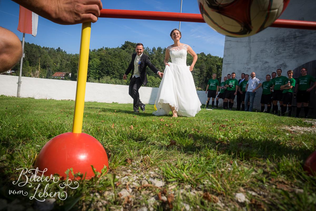 hochzeitsfotos-fraenkische-schweiz-aufsess-hundsboden-05-P9126464