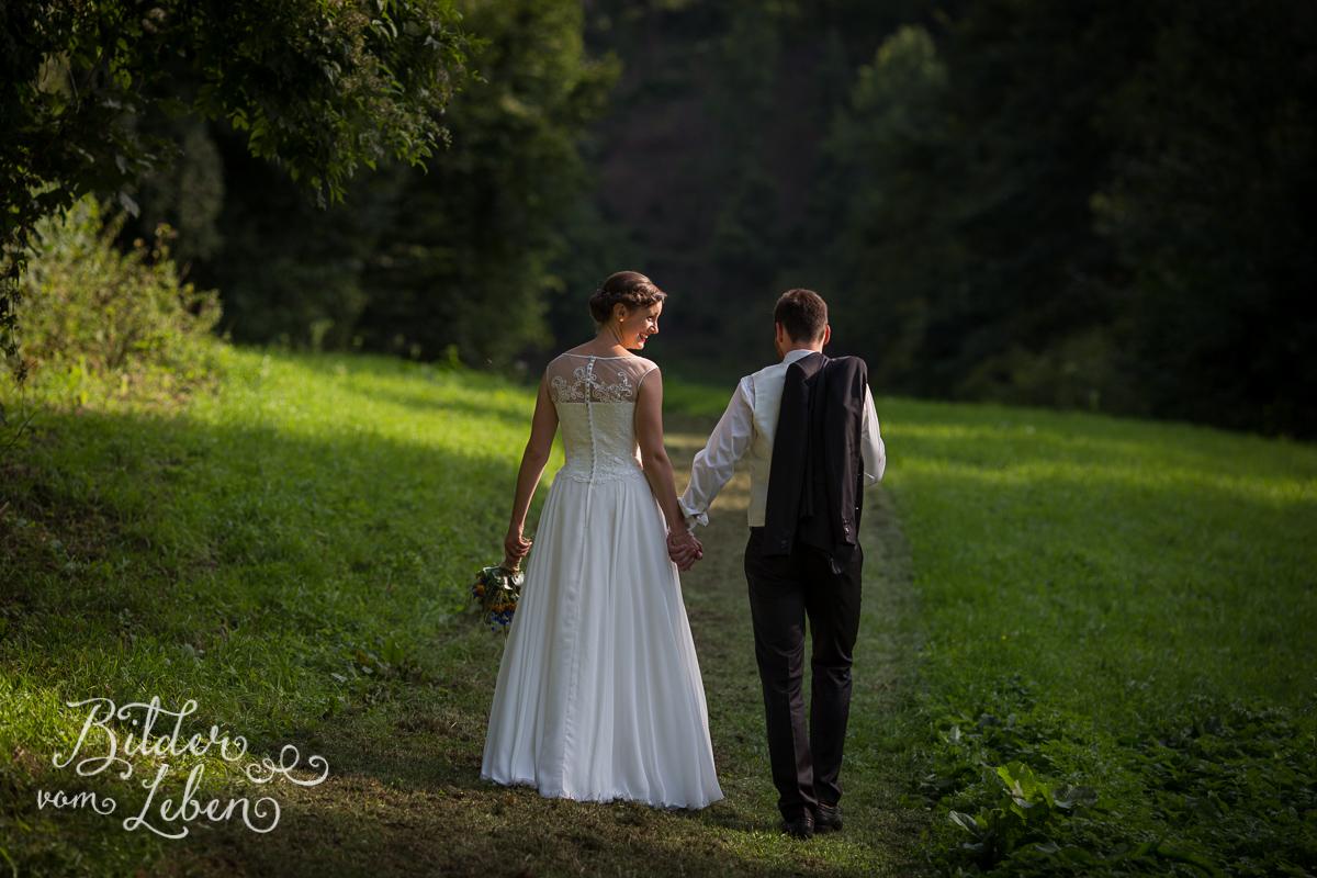 hochzeitsfotos-fraenkische-schweiz-aufsess-hundsboden-14-IMG_0892