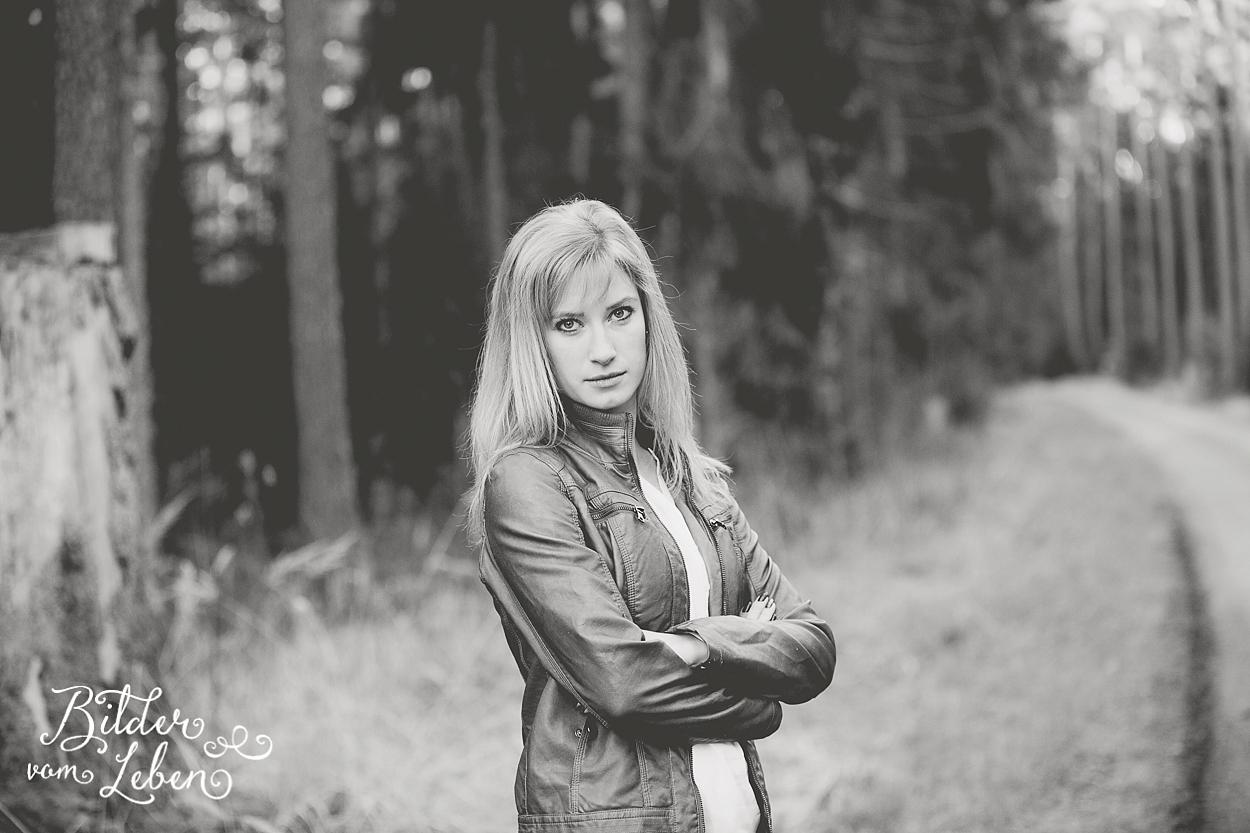Sandra-Portraits-Moenchswald-IU8A1428 2