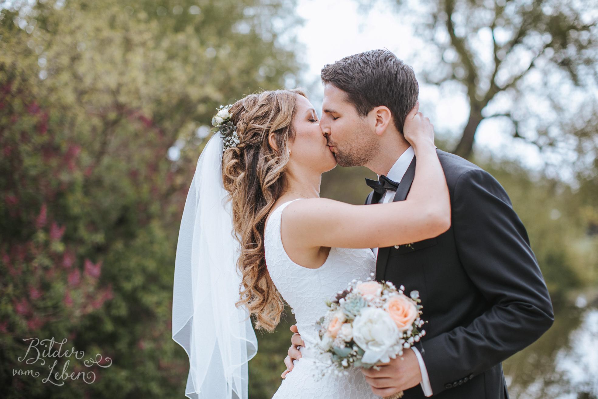 0080-Alex-Martin-Hochzeit-9298